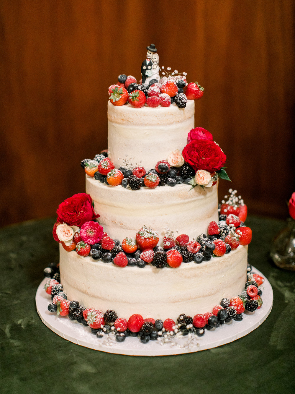 Stephanie & Leo's Cake- Photo by Sposto Photo