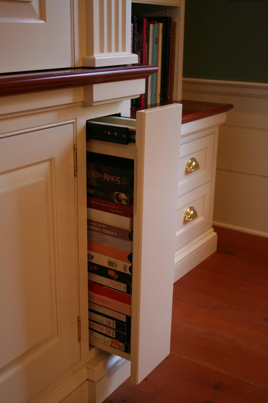 Copy of Shaker desk companion and home entertainment cntr 030.jpg