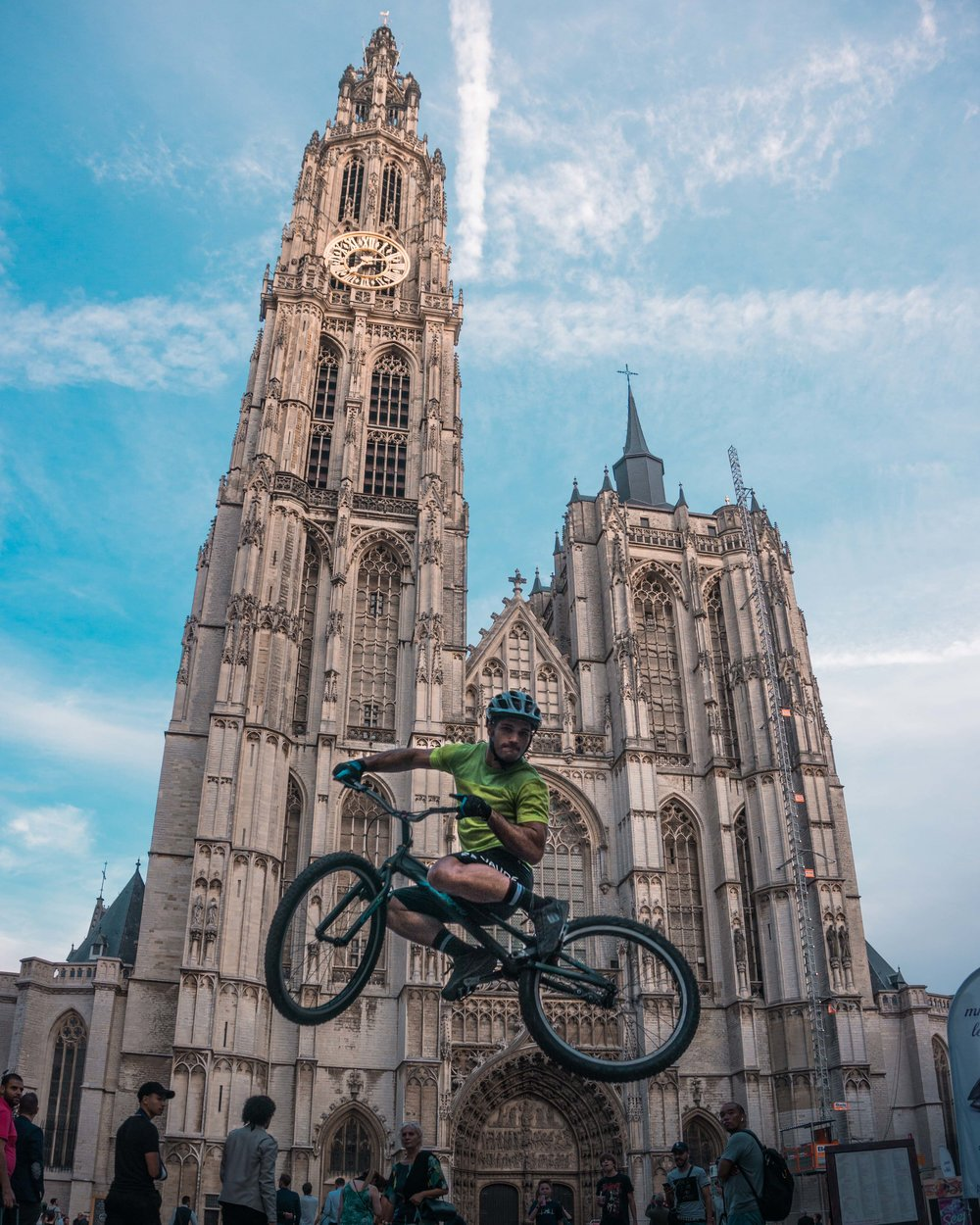 "Pol Tarrés flying next to ""The Cathedral of Our Lady"" in Antwerp"