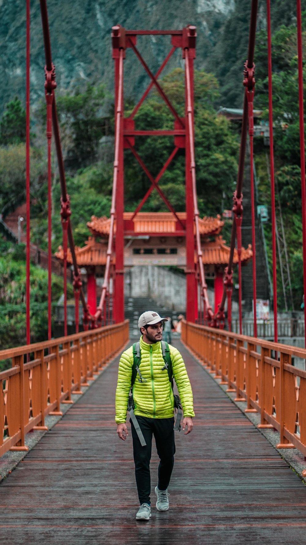 pol_tarres_adventures_taiwan_verticals-14.jpg