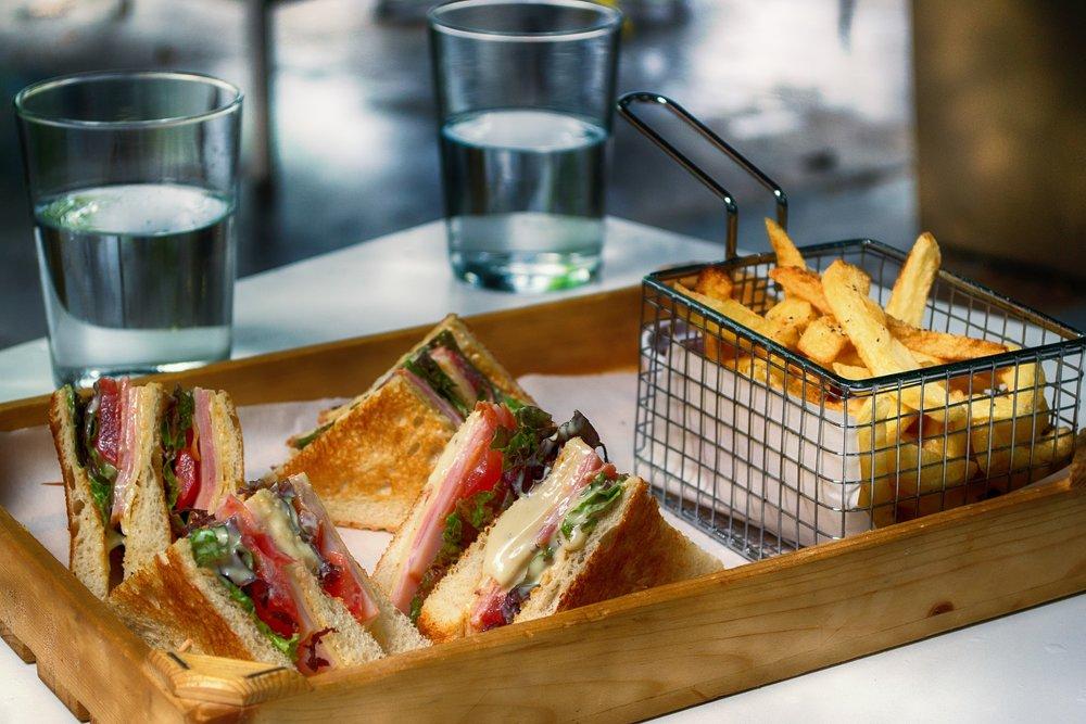 club-sandwich-3538455_1920.jpg