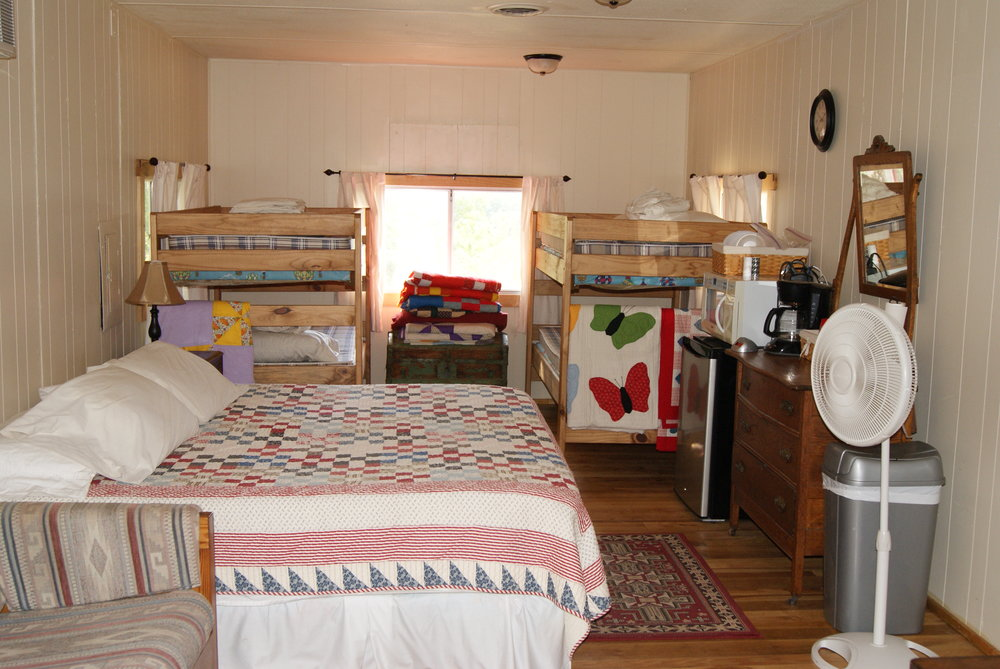 The Bunkhouse: Kansa beds and kitchenette