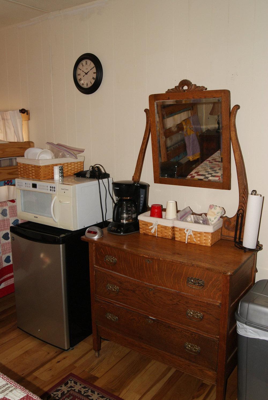 The Bunkhouse: Kansa kitchenette