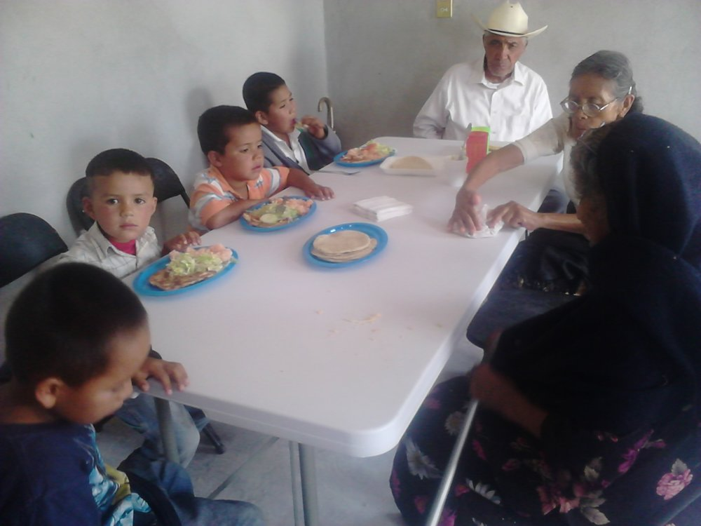 El Comedor - Actualmente, la iglesia provee ayuda a la comunidad por medio del comedor. La iglesia da alimentos a niños y personas de la tercera edad que tienen necesidad.