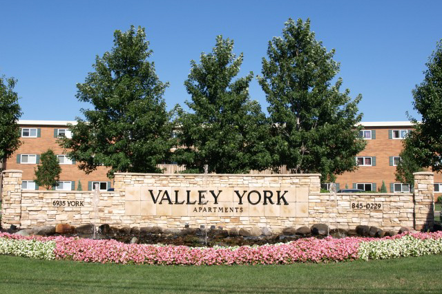 Valley York Apartments - Parma Heights, Ohio