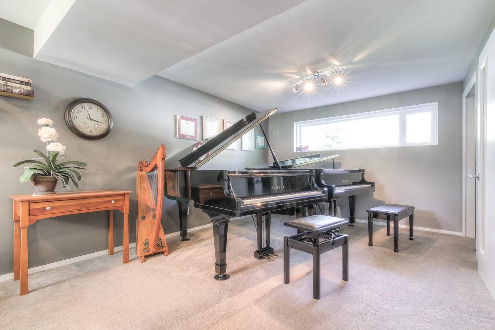 Piano Studio_.jpg