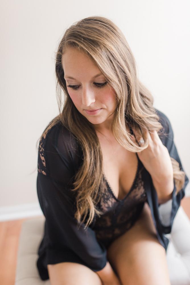 Rachel L. Boudoir-WG-100.jpg