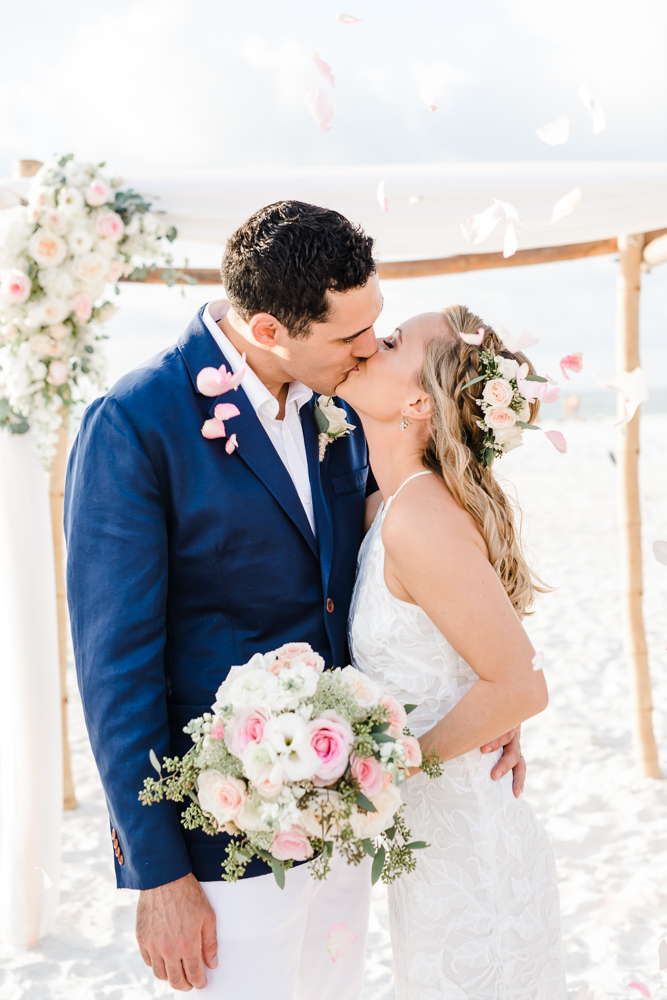 Intimate Sand Pearl Romantic Wedding-28.jpg