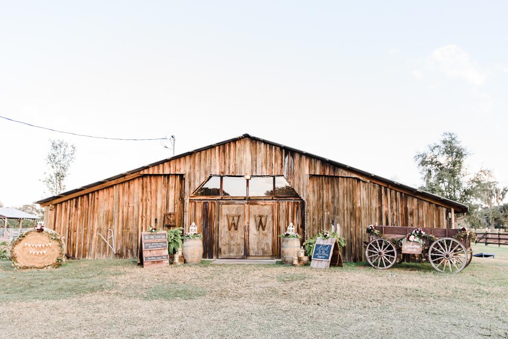 Romantic Outdoor Barn Wedding-96.jpg