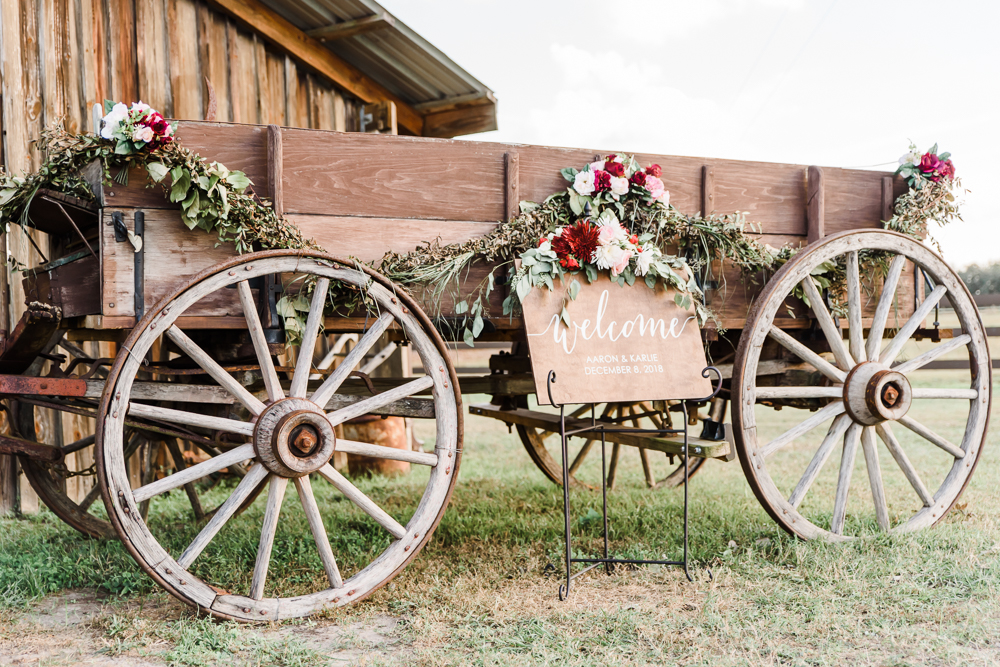 Romantic Outdoor Barn Wedding-97.jpg