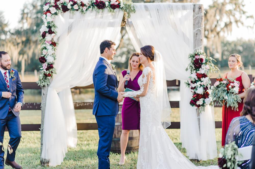 Romantic Outdoor Barn Wedding-121.jpg