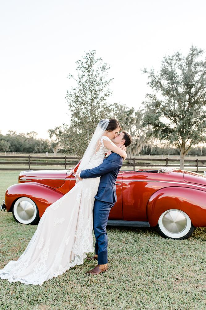 Romantic Outdoor Barn Wedding-134.jpg