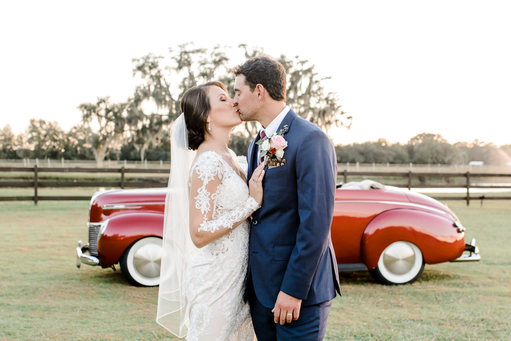 Romantic Outdoor Barn Wedding-136.jpg