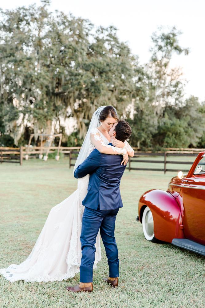 Romantic Outdoor Barn Wedding-137.jpg