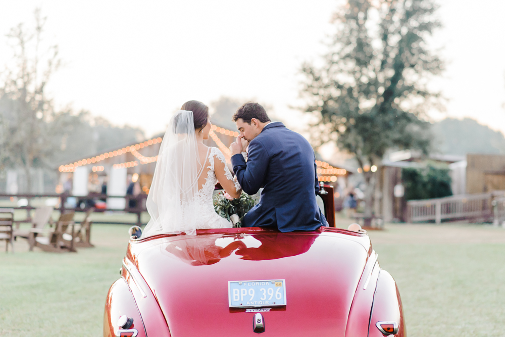 Romantic Outdoor Barn Wedding-169.jpg