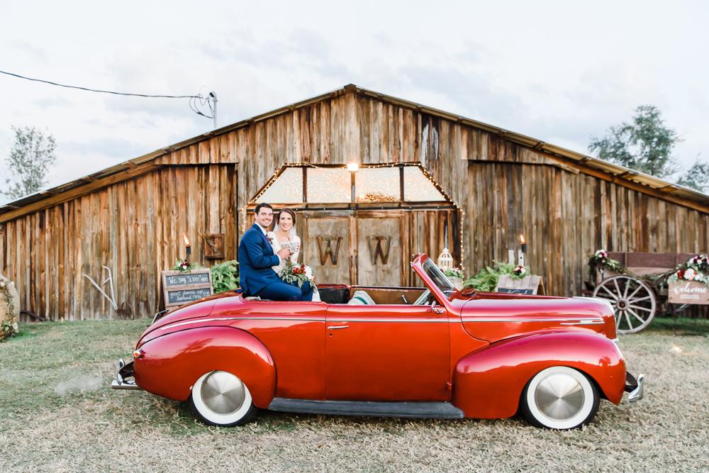 Romantic Outdoor Barn Wedding-171.jpg