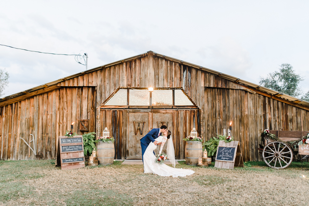 Romantic Outdoor Barn Wedding-172.jpg