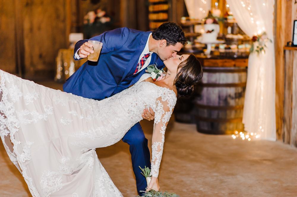 Romantic Outdoor Barn Wedding-176.jpg