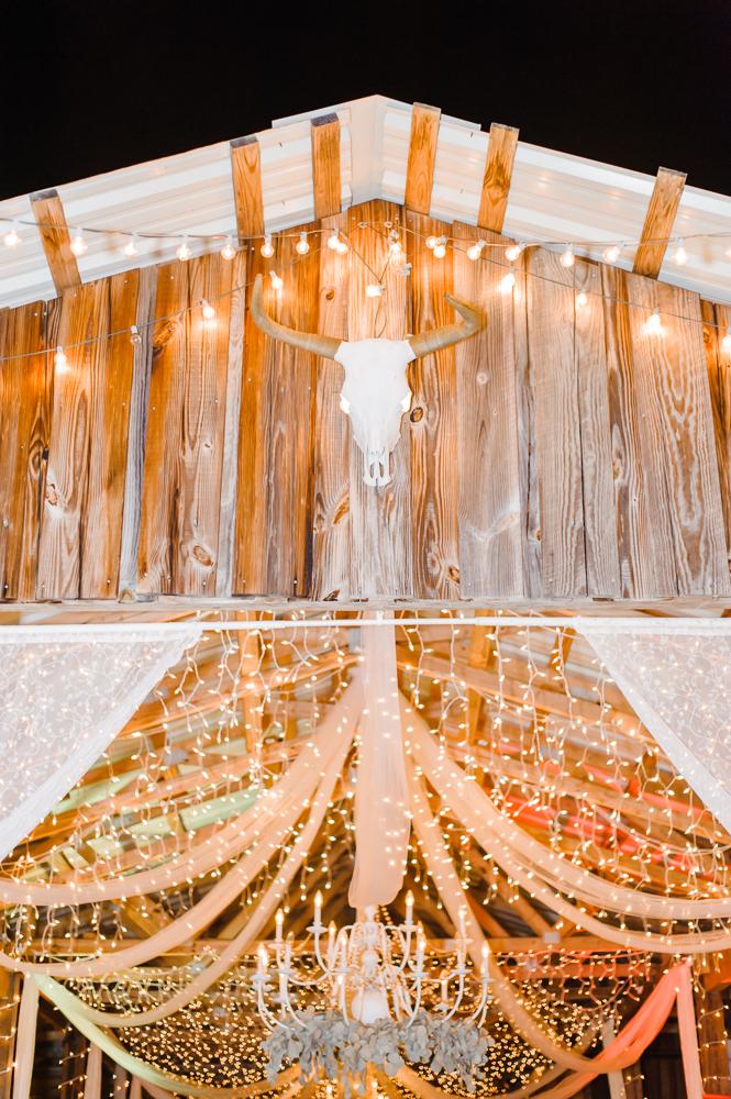 Romantic Outdoor Barn Wedding-190.jpg