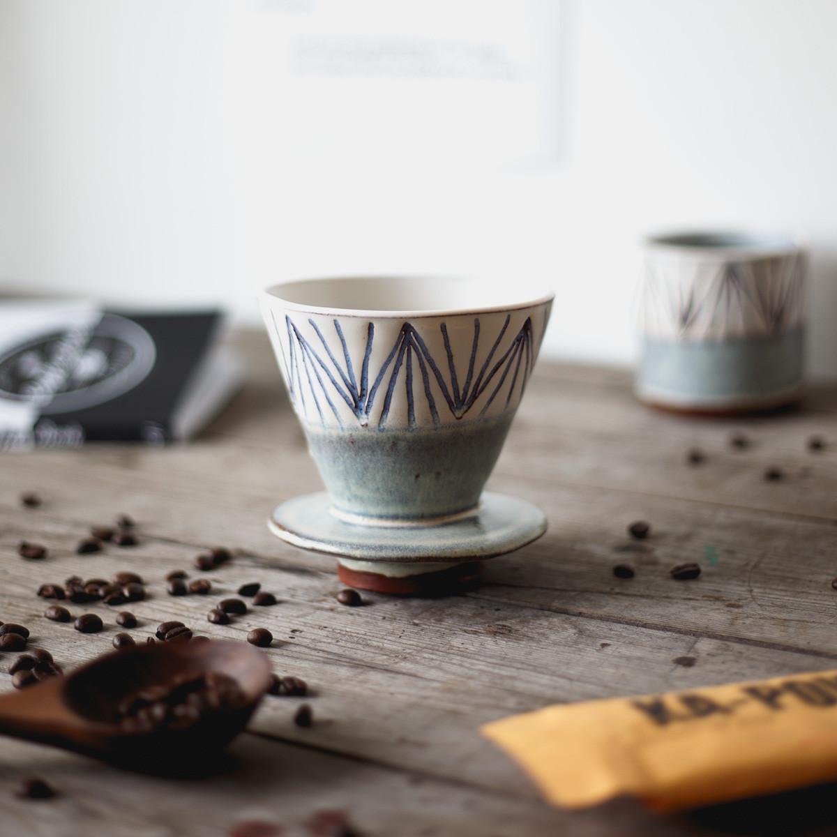 ceramic-coffee-dripper-home-brew-v60-made-in-the-uk-4_a734d9dc-c77f-4186-8ca2-939e3ff604ea