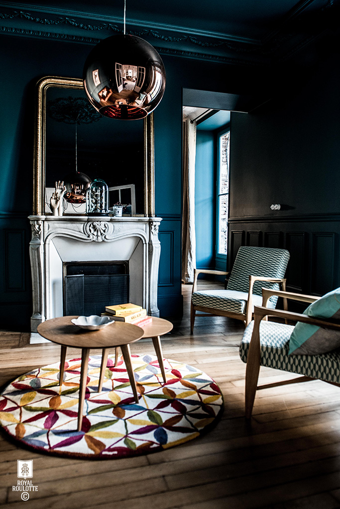ROYAL_ROULOTTE_RENOVATION_DECORATION_FONTAINEBLEAU_SALON_BLEU_80