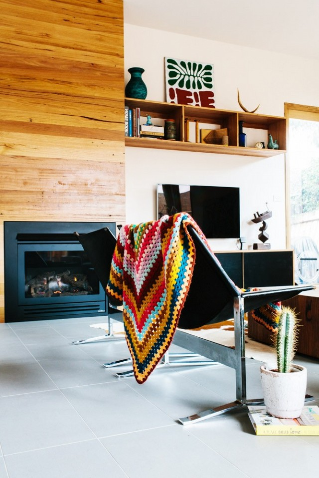 nature-meets-modernity-in-this-artful-melbourne-home-1579384-1449021189.640x0c