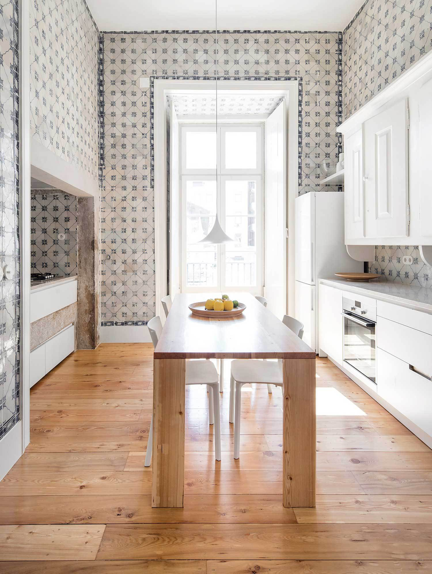 NANA-Apartment-in-Lisbon-by-rar-studio-Yellowtrace-12