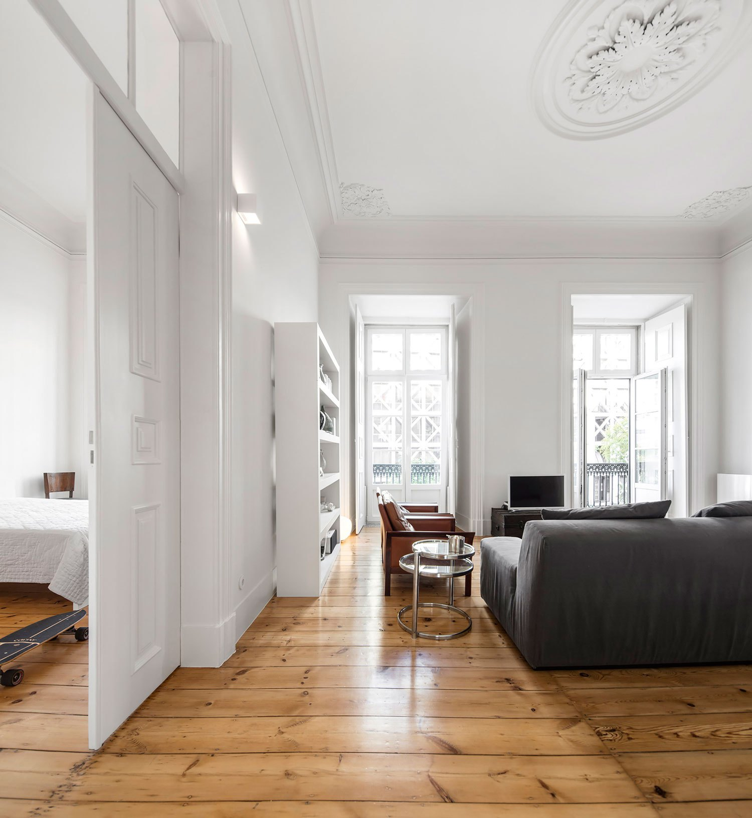 NANA-Apartment-in-Lisbon-by-rar-studio-Yellowtrace-19