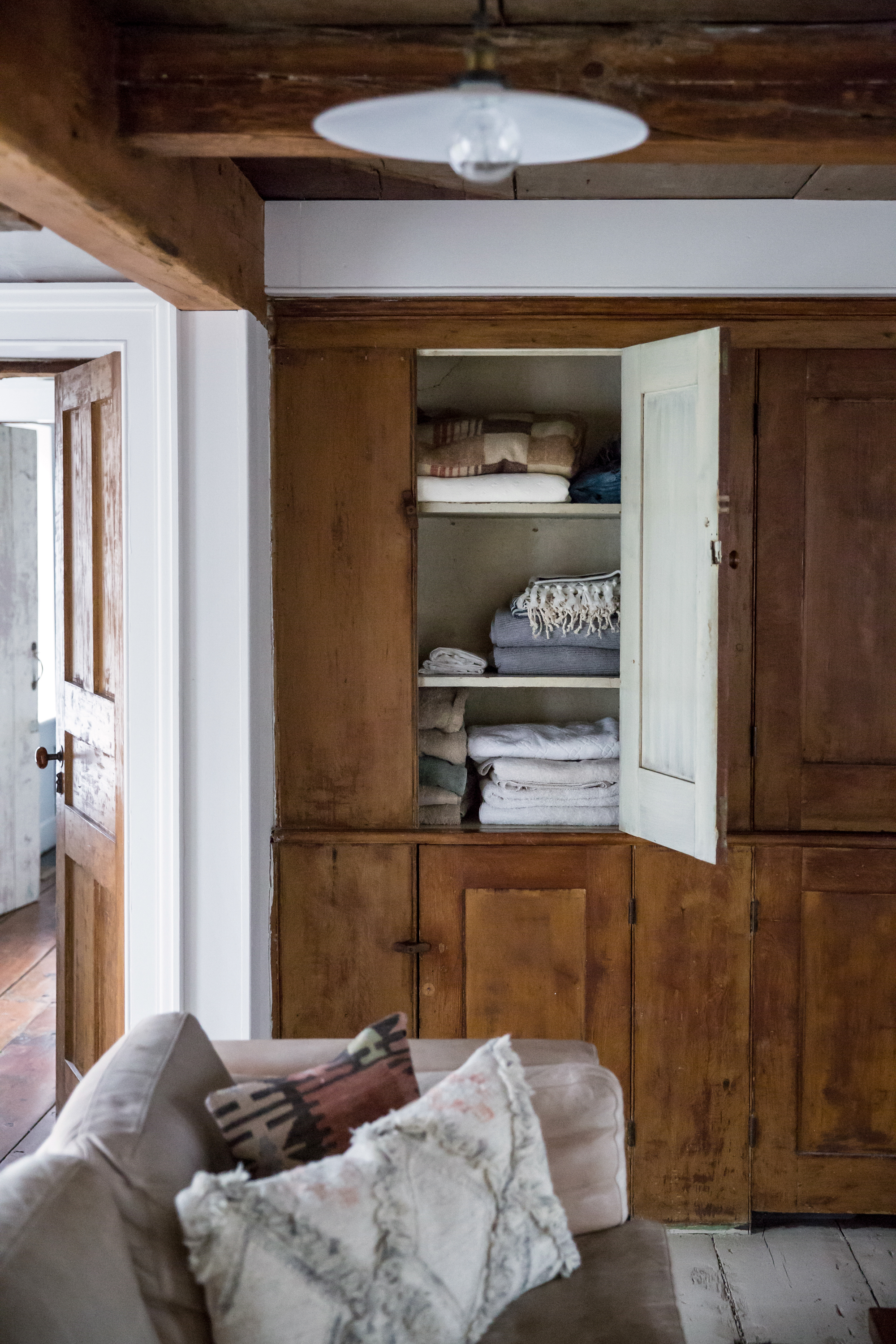 Jersey-Ice-Cream-Co-Old-Chatham-House-Remodelista-cabinets