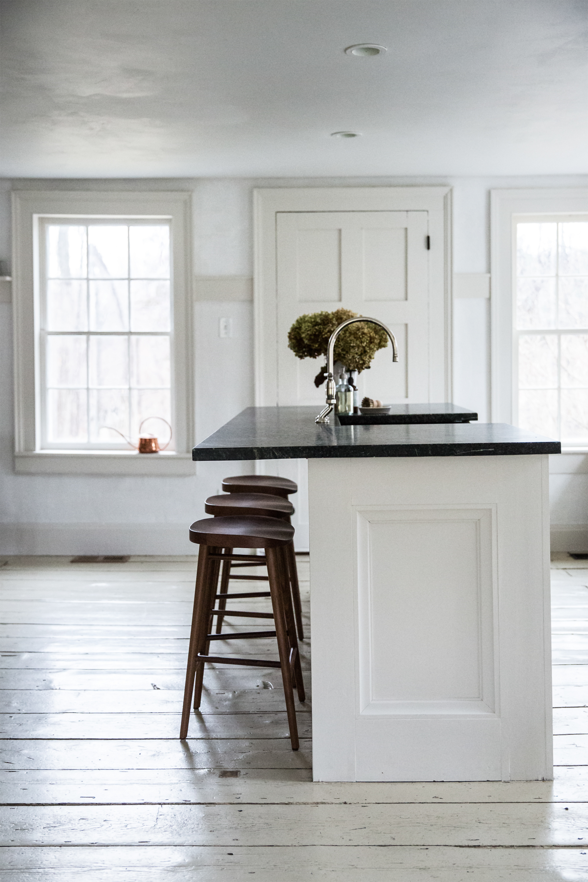 Jersey-Ice-Cream-Co.-Old-Chatham-House-Remodelista-kitchen-island-2