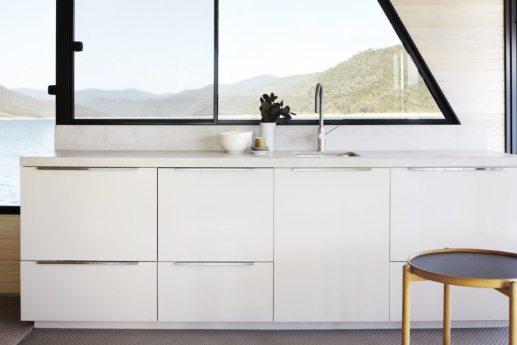 modern-boat-house-pipkorn-kilpatrick-gessato-14-1