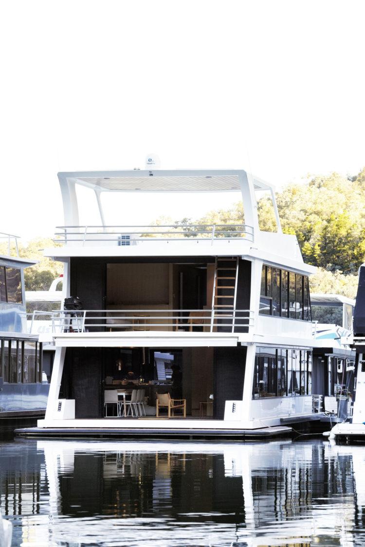modern-boat-house-pipkorn-kilpatrick-gessato-25