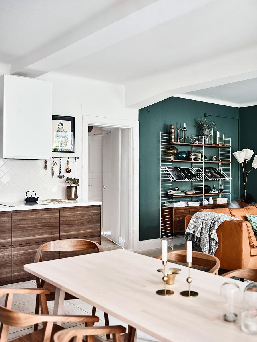 inredning_green_wall_gron_vagg_strin_forvaring_livingroom_vardagsrum.jpg