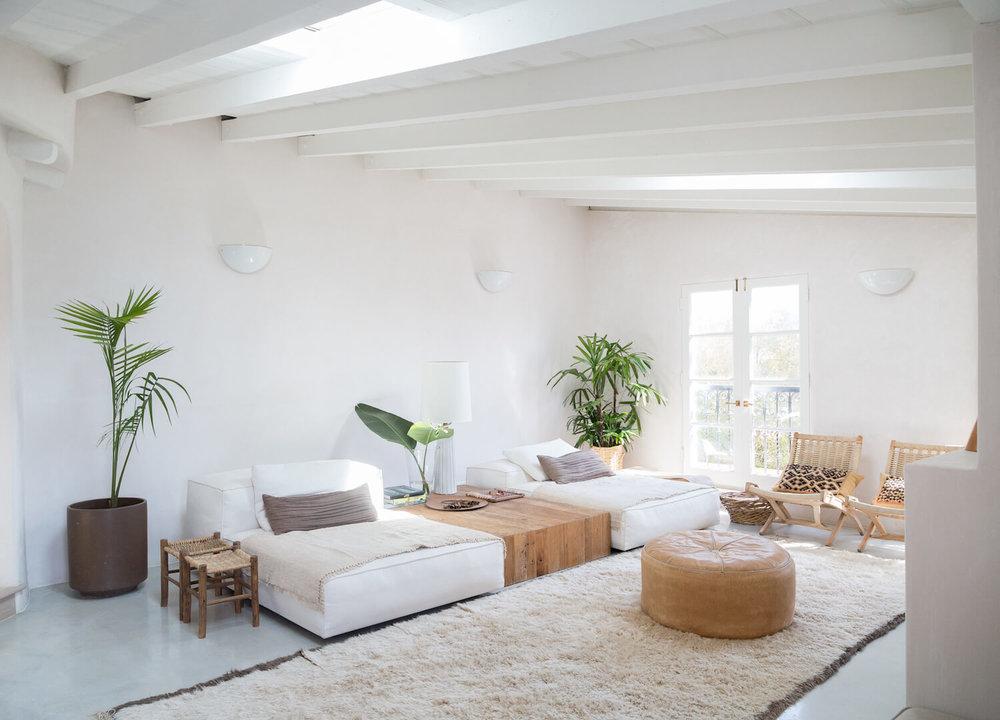 est-living-interiors-myra-house-los-angeles-17.jpg