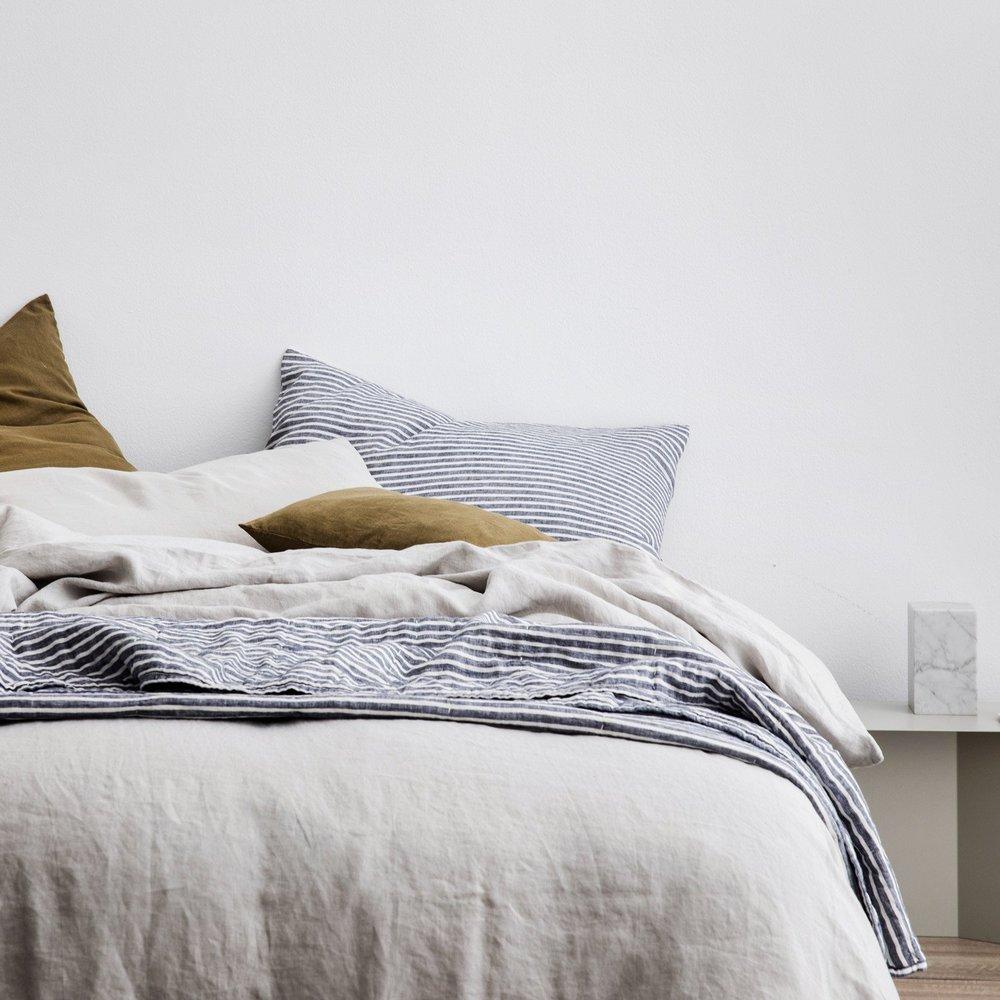 full-bed_2048x.jpg