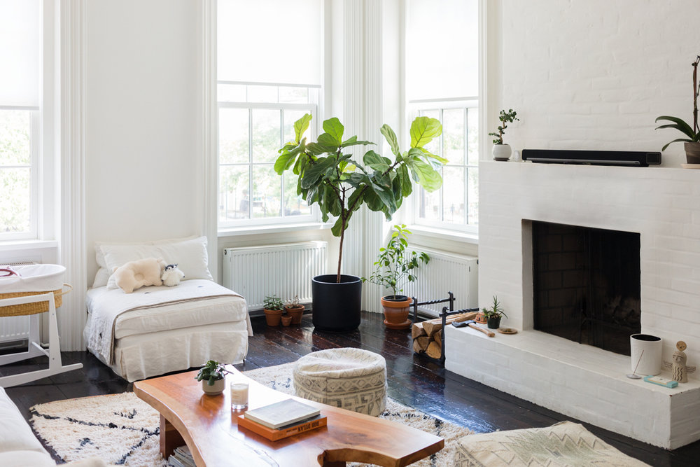 a-bohemian-haven-in-a-brooklyn-townhouse-built-by-newlyweds-sophie-green-home-tour-brooklyn-59bc2cf8d9b1651460d80bfd-origin.jpg