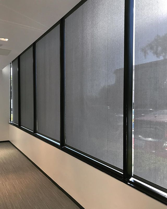 Lutron QS Shades create the perfect light for any space or activity with an offering of sheer, dim-out, and blackout fabrics. Choose a sheer to maintain view while diffusing UV rays that may damage furnishings. Dim-out fabrics provide privacy while blackout fabrics are 100% opaque to eliminate all daylight. Contact Digital Decora for your free quote today 📞 #qswireless #digitaldecora #lutron #lutronshades #lutronelectronics #interiordesignla #interiordesignoc #minimalism #minimalist #mermet #renovation #remodel #midcenturymodern #orangecounty #losangeles #architecture #ArchitecturalDesign #radiora2 #remodeling #remodelingideas #windowcovering #windowcoverings #wovenwoodshades #windowtreatments #lagunabeach #newportbeach #houseflipping #houseflip