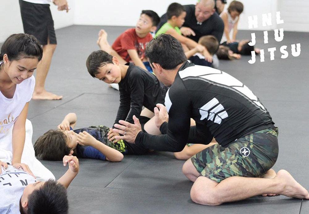 hnl-jiu-jitsu-honolulu-bjj-gracie-2-2.jpg