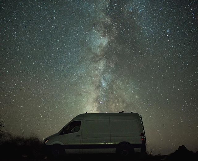 Vanning under the stars in Big Sur ⭐️🌟✨💫🌠 Sky was on fire 🔥 #sprinter #bigsur #milkyway