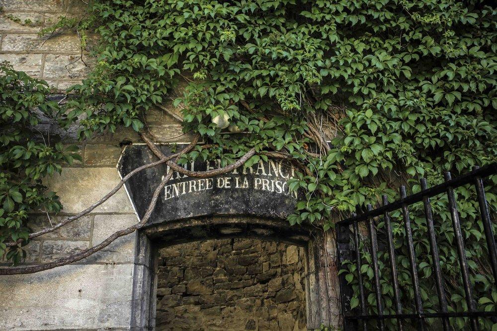 HI-Ottawa-Jail-Entrance-Vignes_low.JPG