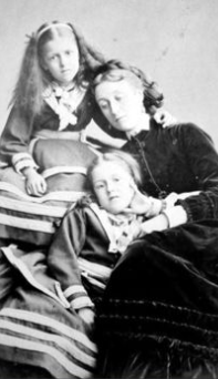 Daughters posed with dead mother