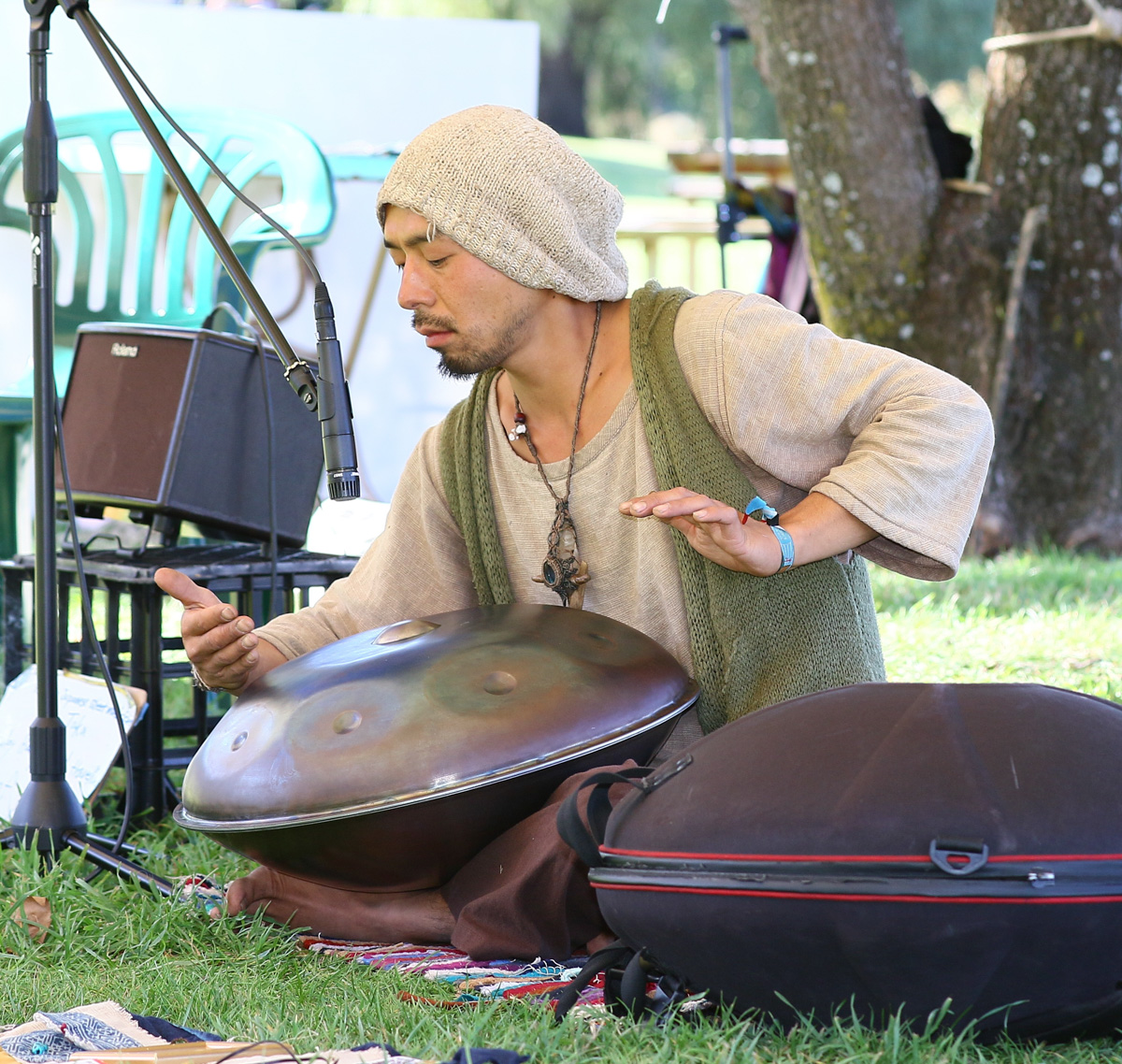 Taka from Japn playing a handpan came from Hong Kong to join in Stringfest
