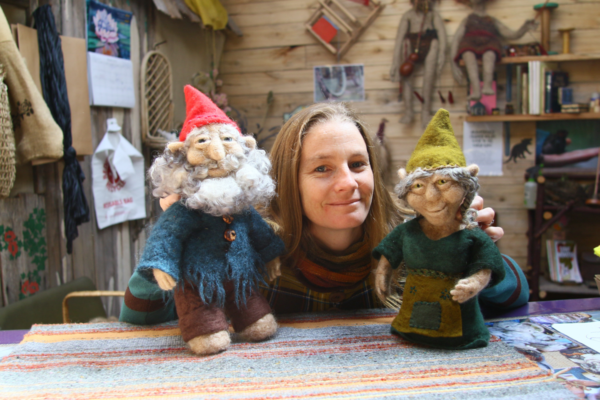selki tombs elf on the shelf