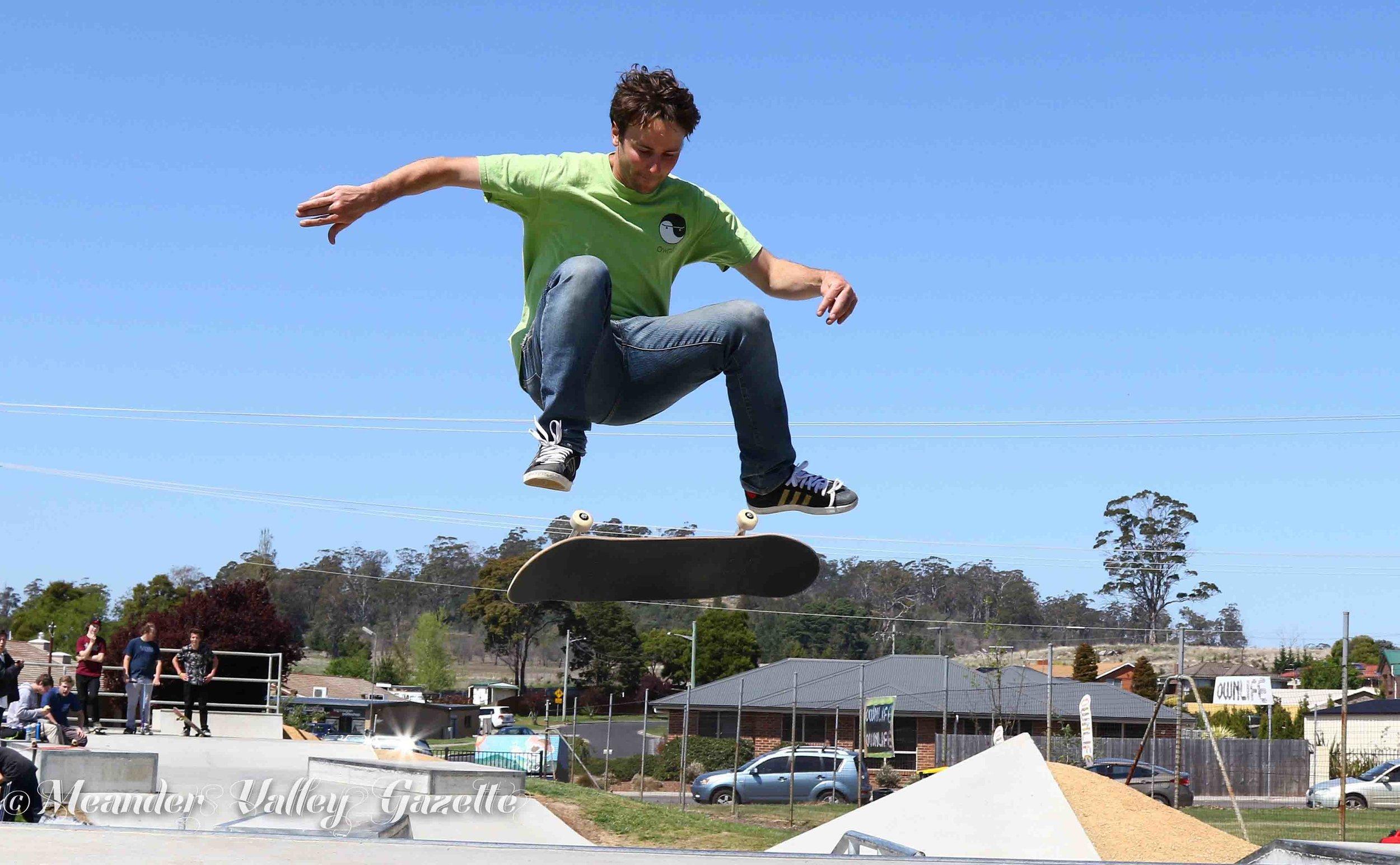 Richard Flude Ownlife skateboarding workshop at Hadspen skatepark cropped