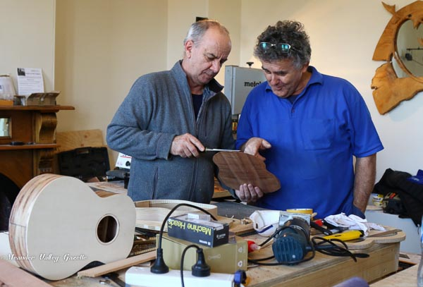 Making a tenor vice kevin llincoln of christmas hills tim spittle of wa lutherie workshop