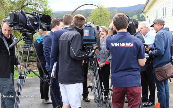 media-gather-at-chudleigh-hall-for-the-governers-visit