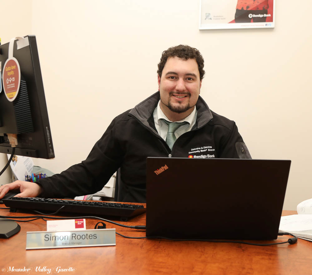 Simon-Deloraine-and-Districts-Community-bank-manager.jpg