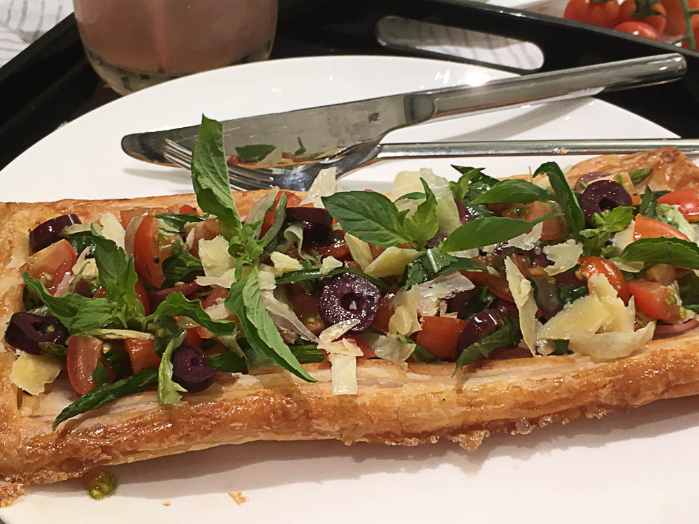 Bruschetta puff tart, perfect for a quick meal.