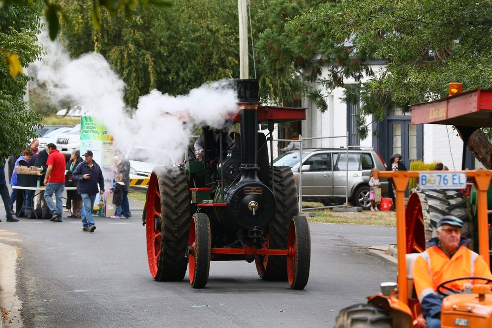 Pearns Steam World Foden 1910 8HP traction engine delights crowds at local events. Photo by Mike Moores