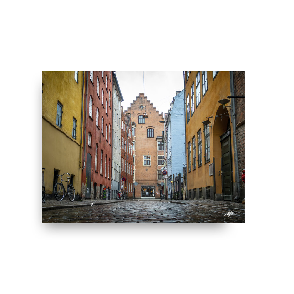 Narrow Streets of Copenhagen - Alantherock